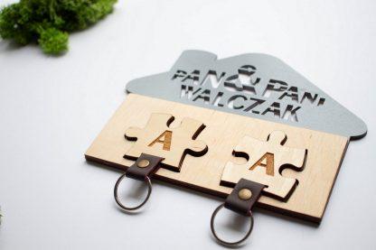 wieszak na 2 klucze domek